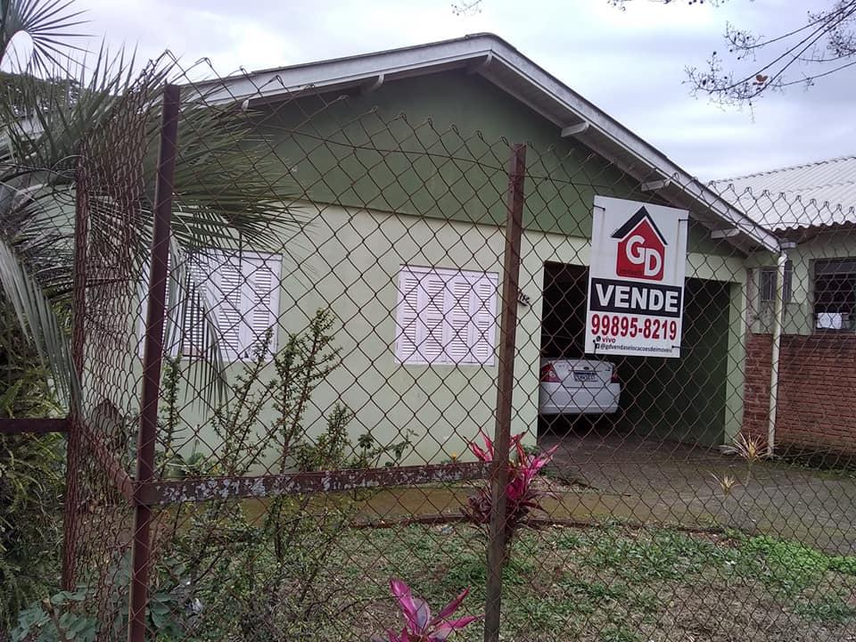 Casa no Bairro 5 de Maio, próximo à Escola, Creche e Supermercados